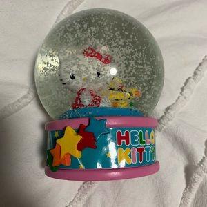 (2/$20) Hello Kitty Collectible Snowglobe